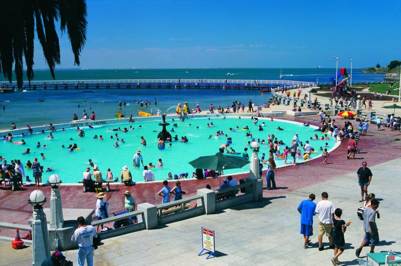 Geelong beach stays beach and coast accommodation for Pool show melbourne