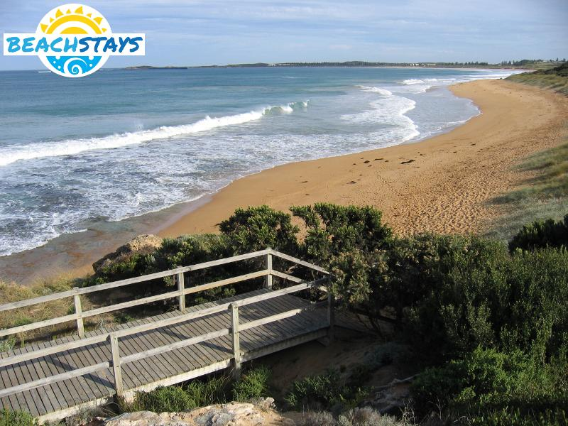 Warrnambool Australia  city photos gallery : Warrnambool Beach Stays: beach accommodation, Victoria Australia